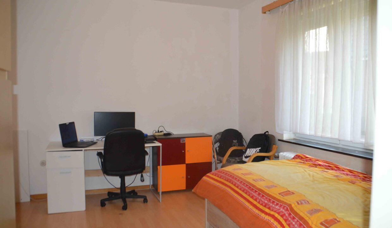 Schlafzimmer EG Möbel